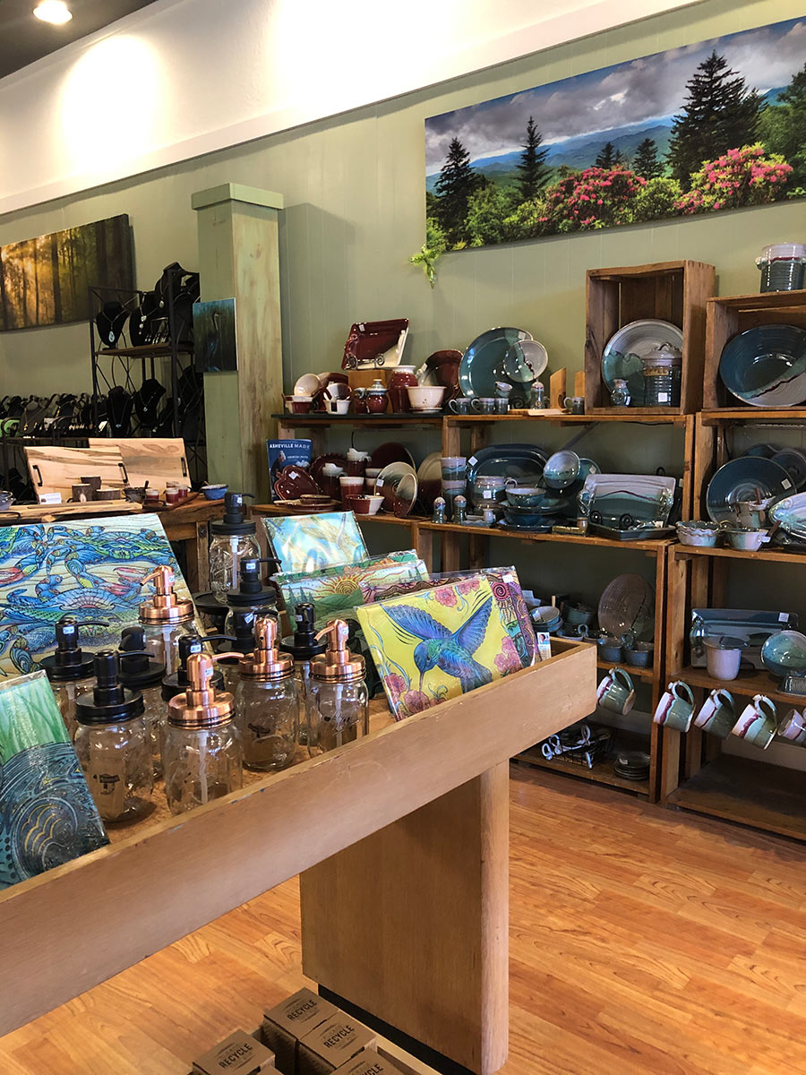 GreenHillGallery-pottery-wall