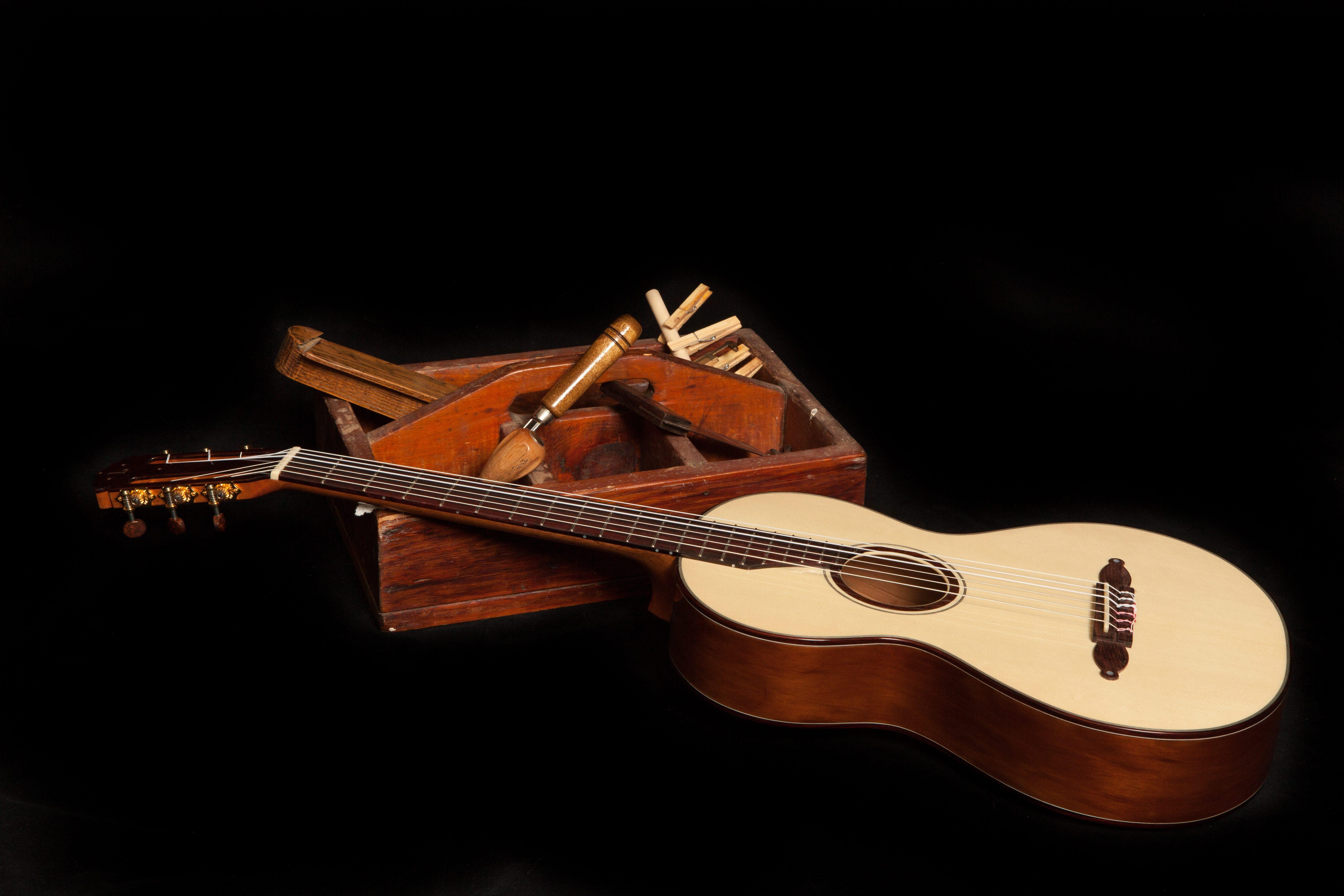 Lichty-Custom-Guitars