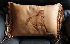 PWA_Horse-Pillow