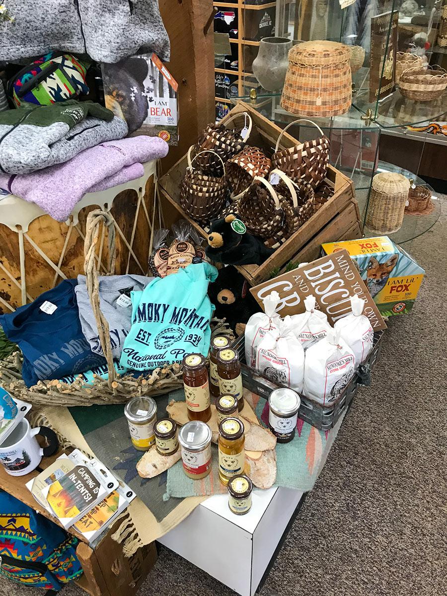 SaunookesMill-giftshop