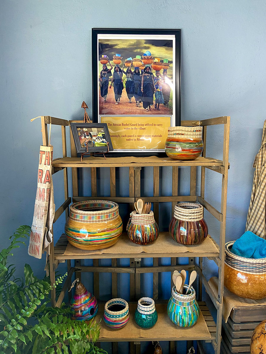 SleepyHollowGourds-shelf-of-baskets