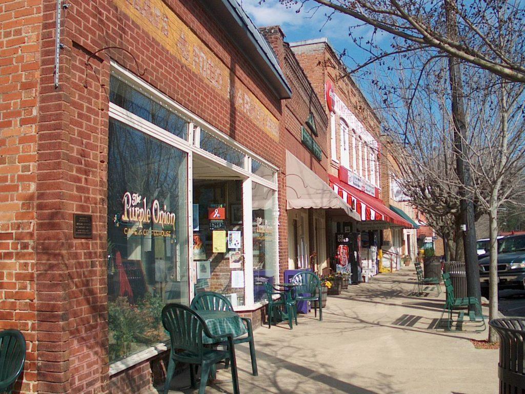 Saluda, NC downtown street scene